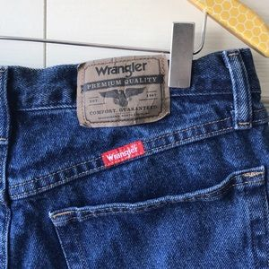 Wrangler Shorts - VTG Wrangler cut off jean shorts